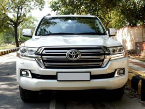 Toyota Land Cruiser LC200 VX (2017) in Ghaziabad