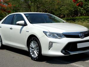 Toyota Camry 2.5L Automatic (2018)