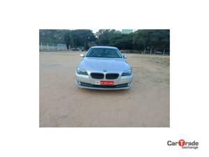 BMW 5 Series 525d Sedan Luxury Plus (2010)
