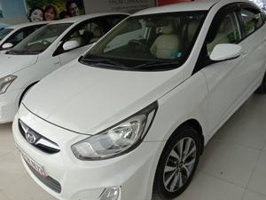 Hyundai Verna Fluidic 1.4 CRDi CX (2015)