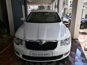 Skoda Superb 2.0 TDI CR AT Ambition (2011) in Rajkot