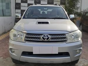 Toyota Fortuner 3.0 MT (2012) in Sikar