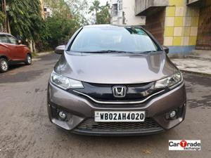 Honda Jazz V MT (2015) in Kolkata