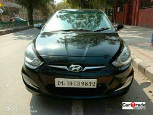 Hyundai Verna Fluidic 1.6 CRDI SX (2013)