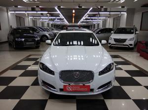 Jaguar XF Diesel Luxury 2.2 (2015)