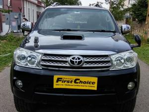 Toyota Fortuner 3.0 MT (2010) in Sikar