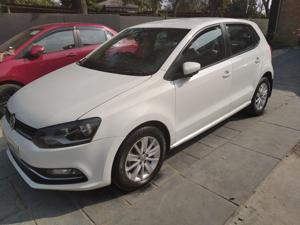 Volkswagen Polo Highline1.2L (P) (2016) in Ghaziabad