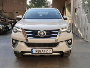 Toyota Fortuner 2.8 4x2 AT (2017)