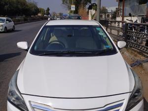 Hyundai Verna Fluidic 1.6 VTVT SX AT (2015)