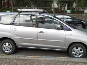 Toyota Innova 2.5 V 7 STR (2006) in Thane
