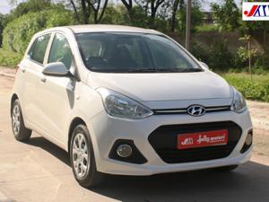 Hyundai Grand i10 Magna 1.2 VTVT Kappa Petrol (2016) in Ahmedabad