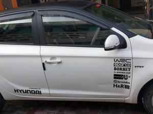 Hyundai i20 Magna(O) Petrol (2012) in Mathura