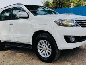 Toyota Fortuner 3.0 4X4 MT (2014) in Ahmedabad