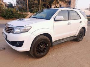 Toyota Fortuner 3.0 4X2 AT (2012) in Ahmedabad