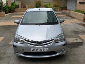 Toyota Etios V (2013) in Mumbai