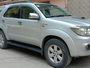 Toyota Fortuner 3.0 (Limited Edition) (2011)