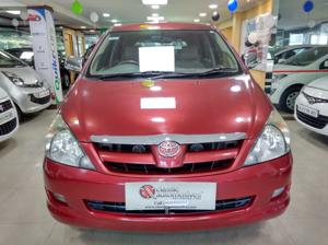 Toyota Innova 2.5 V 7 STR (2006)