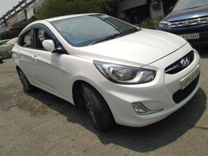Hyundai Verna Fluidic 1.6 CRDi SX AT (2015)