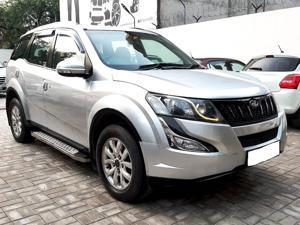 Mahindra XUV500 W10 FWD (2015)