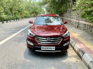 Hyundai Santa Fe 2 WD (AT) (2014) in New Delhi