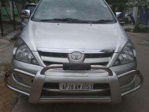 Toyota Innova 2.5 V 8 STR (2007) in Hyderabad