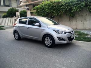 Hyundai i20 Magna 1.2 (2013) in New Delhi