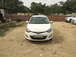 Hyundai i20 Sportz Petrol (2013) in New Delhi