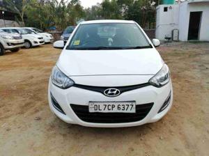 Hyundai i20 Magna 1.2 (2014) in New Delhi