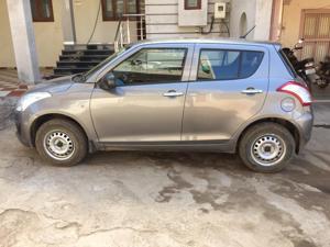 Maruti Suzuki Swift LXi ( Optional ) (2016) in Bharuch