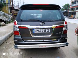 Toyota Innova 2.5 VX 8 STR (2013) in Mirzapur
