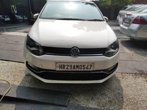 Volkswagen Polo Highline1.2L (P) (2016) in New Delhi