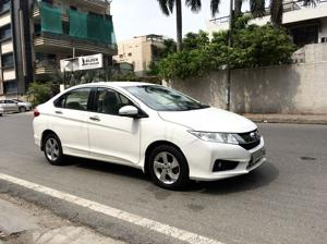 Honda City 1.5 V MT (2015) in New Delhi