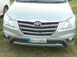 Toyota Innova 2.5 ZX (Diesel) 7 STR Euro4 (2015) in Bhubaneswar
