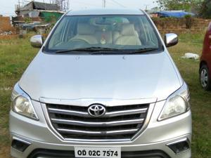 Toyota Innova 2.5 G (Diesel) 8 STR Euro3 (2013) in Bhubaneswar