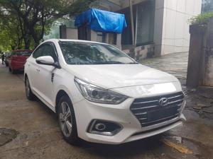 Hyundai Verna 1.6 CRDI SX Plus AT (2017)