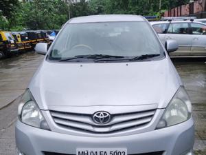 Toyota Innova 2.5 G (Diesel) 8 STR Euro4 (2011) in Thane