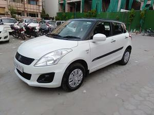 Maruti Suzuki Swift LXi ( Optional ) (2016) in New Delhi