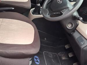 Hyundai Xcent 1.2L Kappa Dual VTVT 5-Speed Manual S (2014)