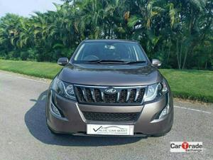 Mahindra XUV500 W10 FWD (2018)