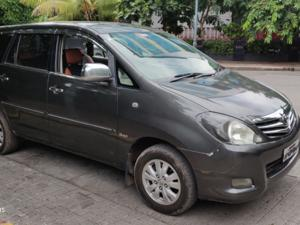 Toyota Innova 2.0 V (2010) in Pune