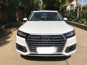 Audi Q7 45 TDI Technology Pack (2020)