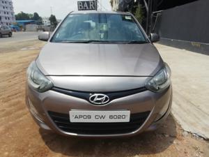 Hyundai i20 Sportz 1.4 CRDI (2014)