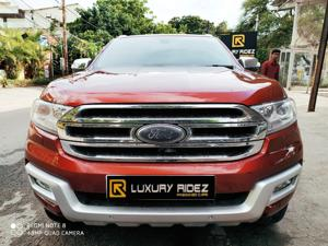 Ford Endeavour Titanium 3.2 4x4 AT (2016)