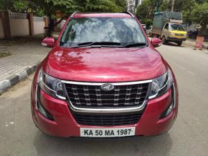 Mahindra XUV500 W11 (O) AWD AT (2018)