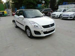 Maruti Suzuki Swift VXi (2016) in New Delhi