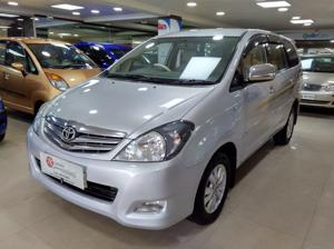 Toyota Innova 2.5 V 7 STR (2010) in Mysore