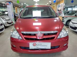 Toyota Innova 2.5 V 7 STR (2006) in Mysore