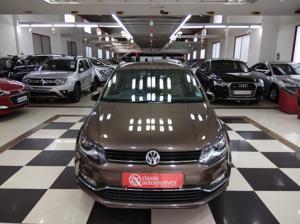 Volkswagen Polo Highline1.2L (P) (2017) in Mysore