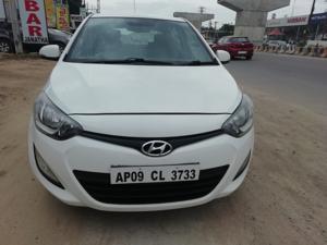 Hyundai i20 Sportz 1.4 CRDI (2012) in Hyderabad