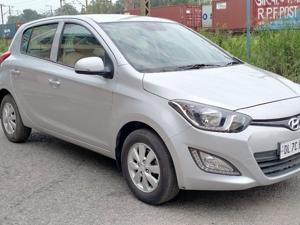 Hyundai i20 Sportz 1.2 (O) (2014) in New Delhi